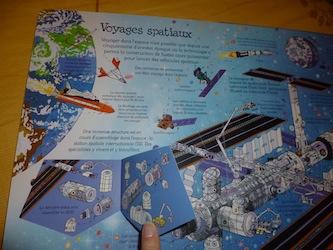Fenetre sur l'espace 2 - Usborne - Les lectures de Liyah